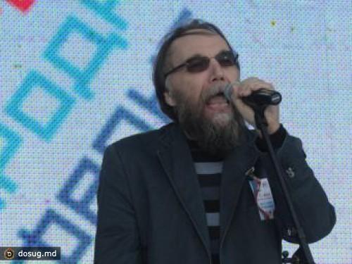 http://dosug.md/UserFiles/dosugmd_news/max/Dugin-i-Prohanov-sozdadut-patrioticheskiy-klub.jpg